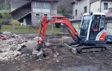 demoliční práce bagrem kubota